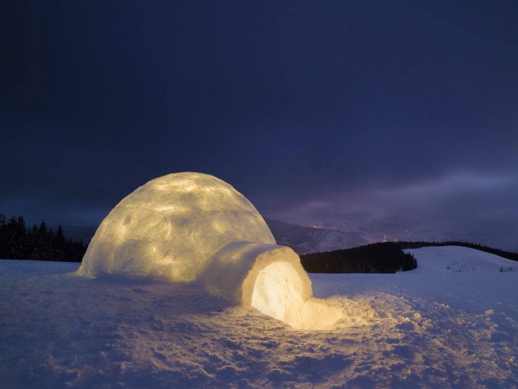 Absinthe Boréale 02 igloo ice cosy shelter 1200x900 - Maison Crivelli