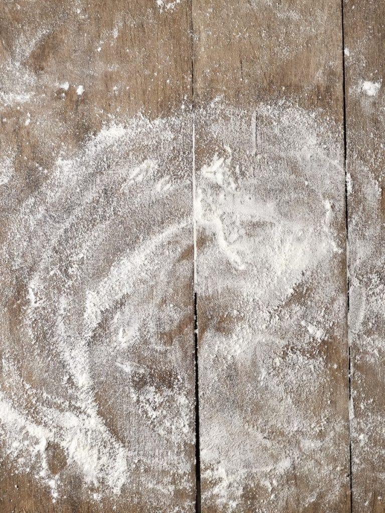 Papyrus Moléculaire 05 ground amyris wood powder 1200x900 - Maison Crivelli